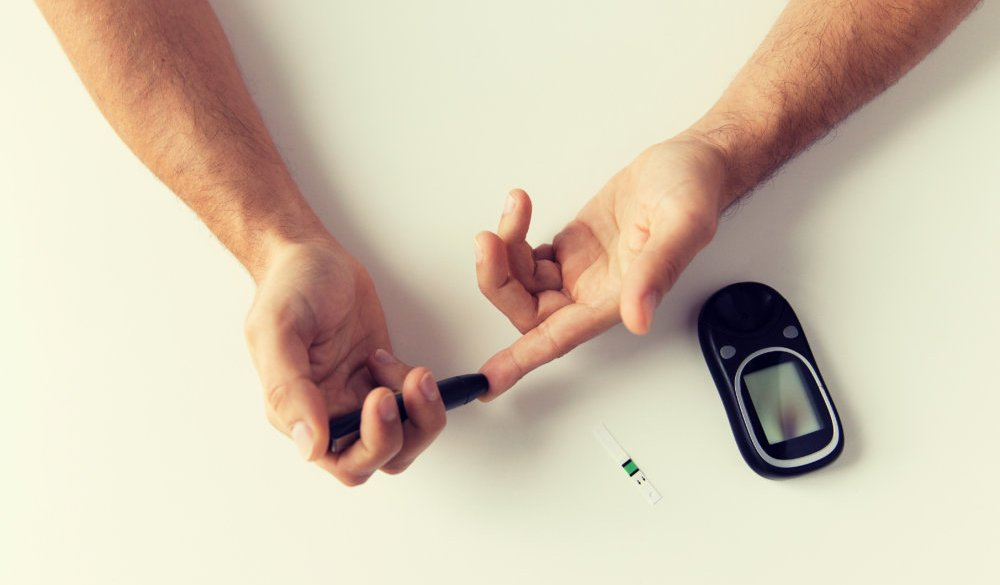 Comparing the causes and symptoms for Type 1 and Type 2 Diabetes - The Care  Issue