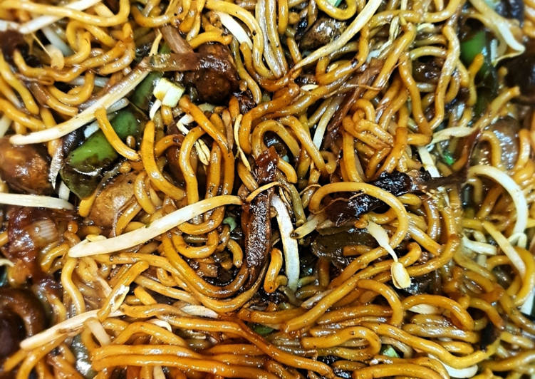 low fat Authentic Vegetable Chow Mein | how to make healthy Authentic  Vegetable Chow Mein | yumlyrecipes