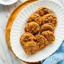 Flourless Peanut Butter Oatmeal Cookies (4 Ingredients!) - The Big Man's  World ®