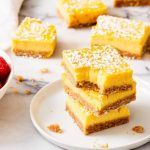 Healthy lemon bars {7 ingredients} - Family Food on the Table